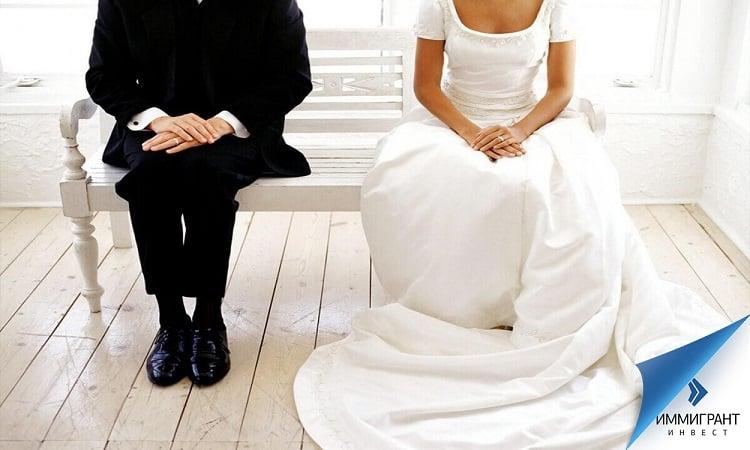 Любая из сторон может оспорить условия брачного контракта в суде, если он содержит в себе аморальный аспект